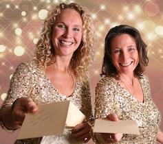 Golden Girls Complimentenmeisjes delen complimenten uit